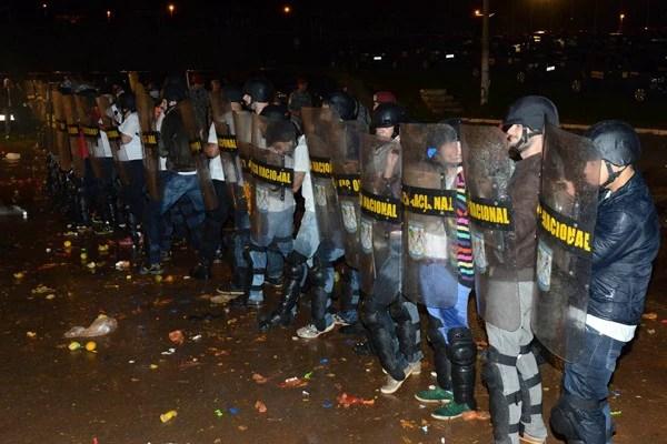 Jornalistas se vestem de policiais em curso realizado pelo MJ (Foto: Ministério da Justiça)