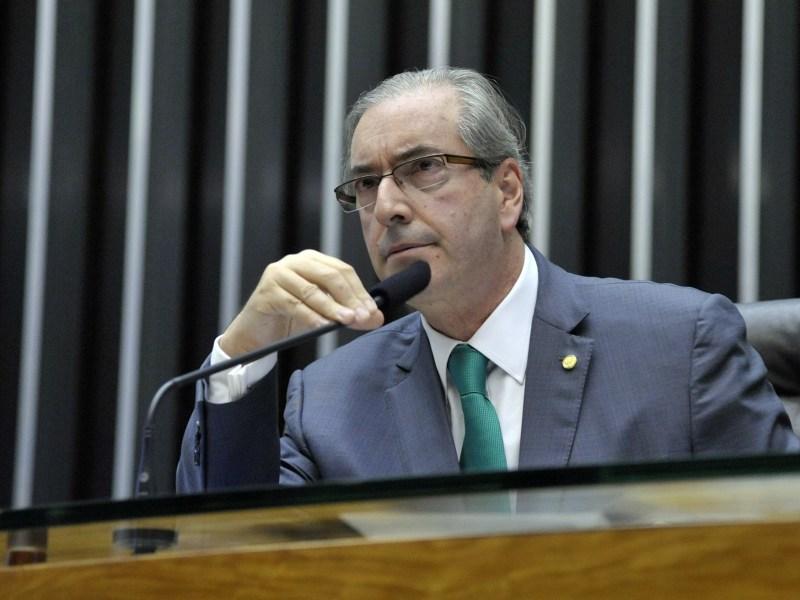 O presidente da Câmara, Eduardo Cunha (PMDB-RJ), em sessão extraordinária para discussão e votação de diversos projetos.