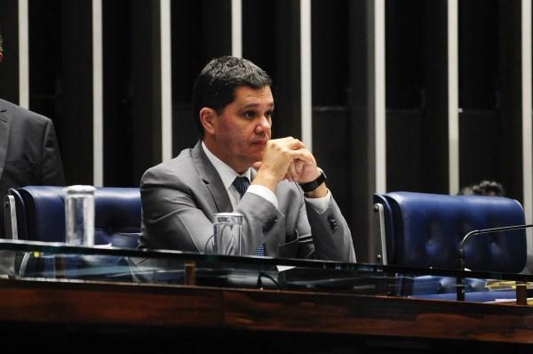 O senador Ricardo Ferraço (PSDB-ES) errou o número de partidos representados no Congresso