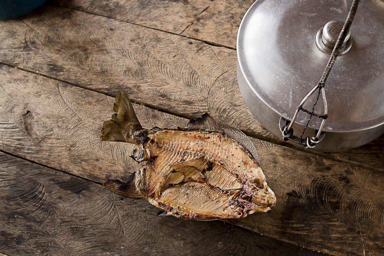 """""""A gente se alimenta do peixe, a gente não brinca com o peixe"""", diz Juventino (Foto: Ana Mendes)"""