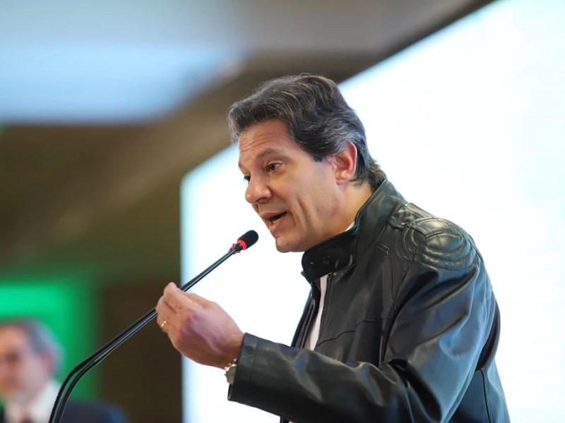 Fernando Haddad (PT) no evento Diálogos da União Nacional de Entidades do Comércio e Serviços (Unecs) com os candidatos à presidência, em agosto: levantamento mostrou empate técnico com Bolsonaro