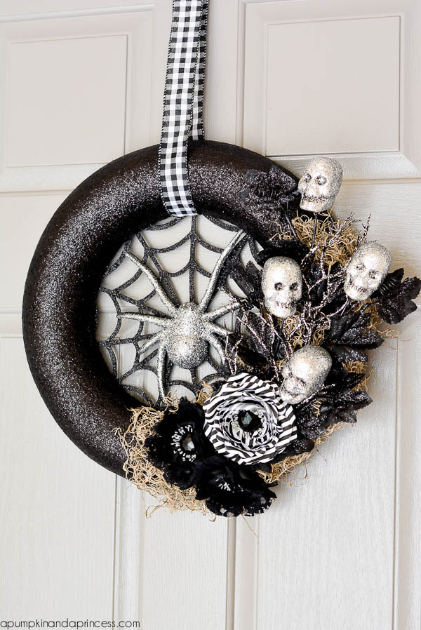 DIY Spider Web Halloween Wreath