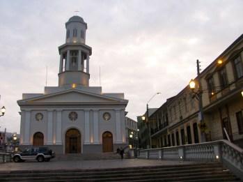 Iglesia La Matriz, Barrio Puerto