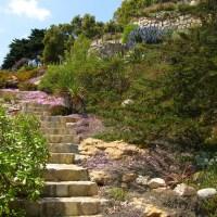 Escalera de piedra en Papudo
