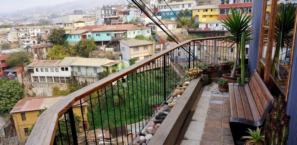 Terraza del Hotel Cirilo Armstrong y vista al cerro Cárcel