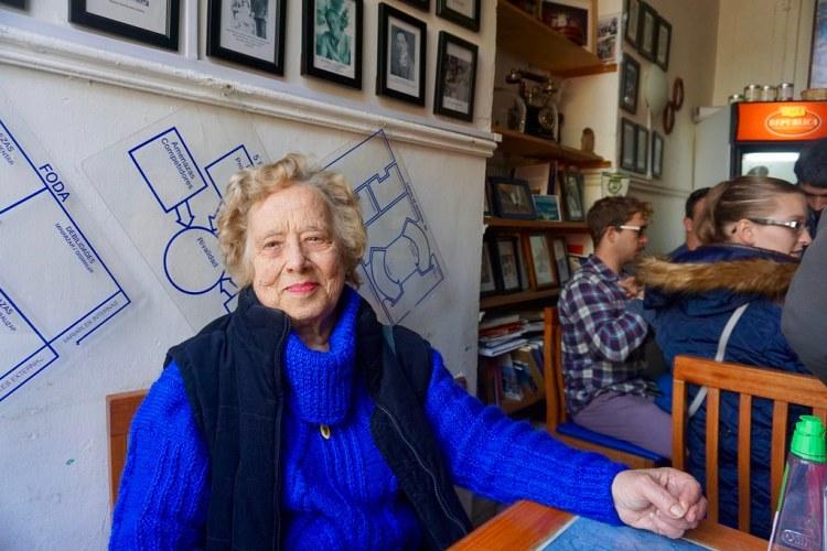 Eda Schiappacasse Canessa en el Café República Independiente de Playa Ancha