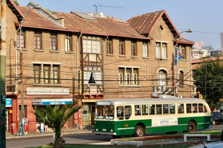 Trolebús en avenida Argentina