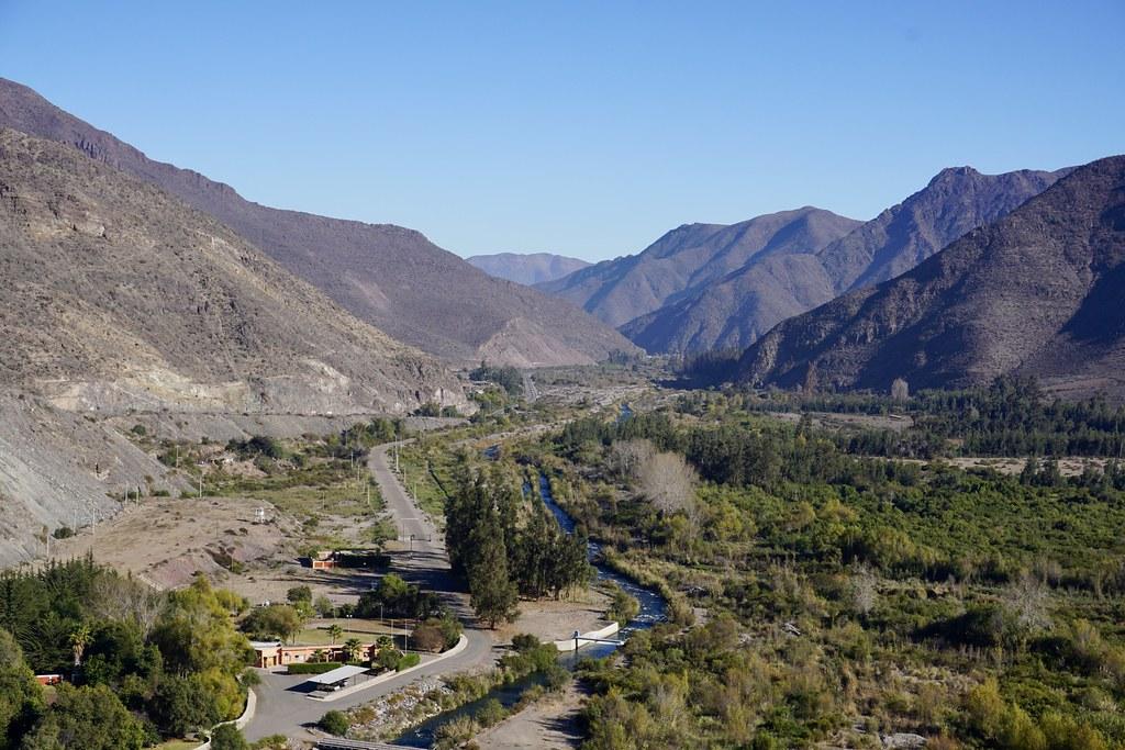 Vista al Valle de Elqui desde el Embalse Puclaro