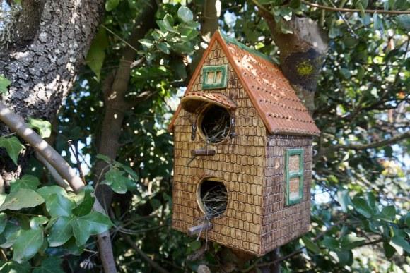 Casa de pajaritos en árbol de Melosilla