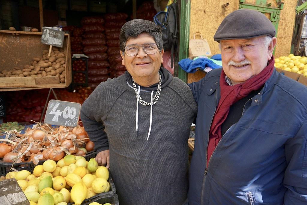 Don Ricardo y César Pincheira en Mercado Cardonal