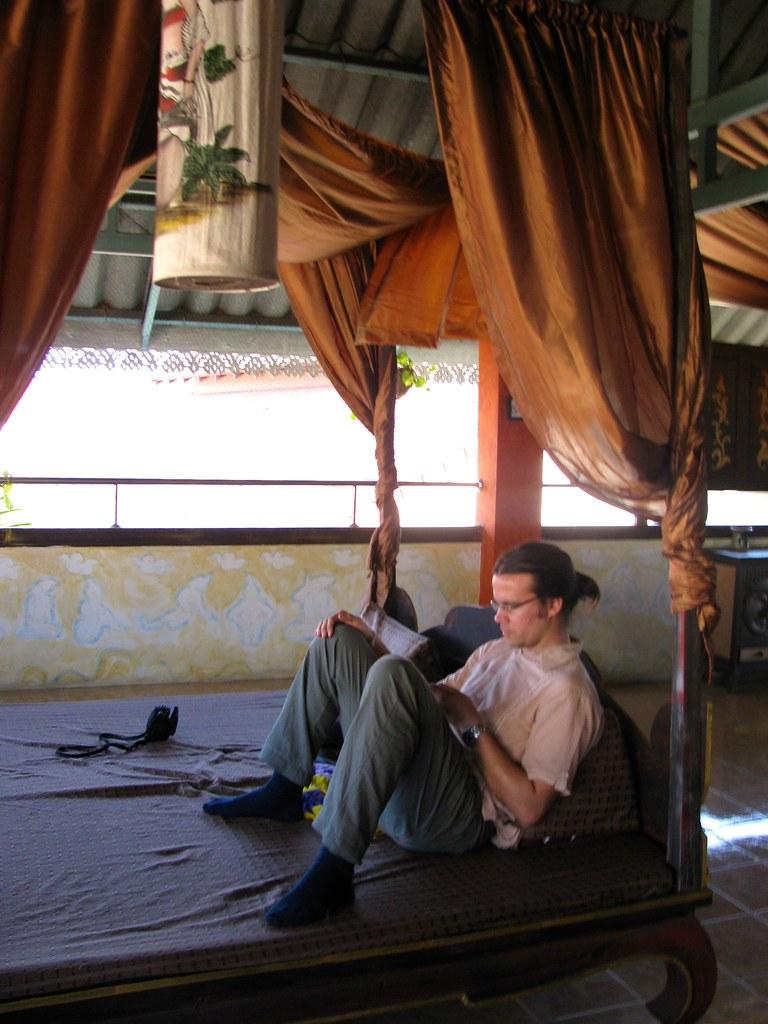 Hernán Castro Dávila en el Hotel Awanahouse