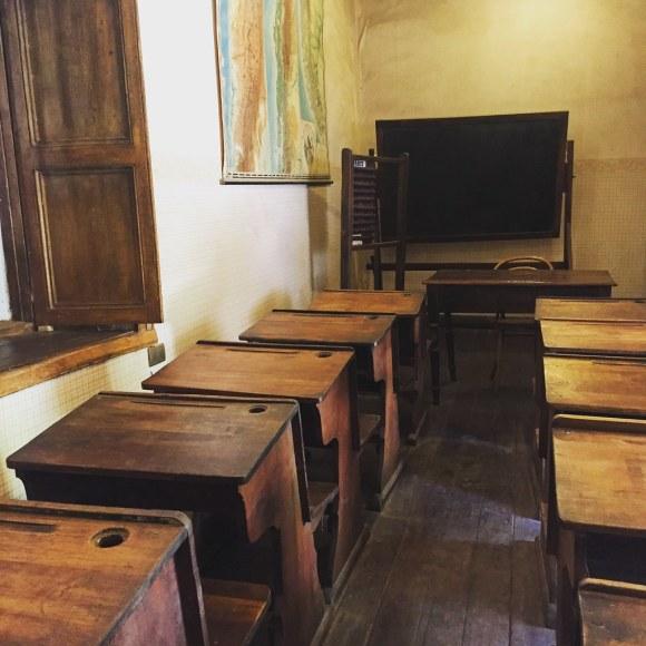 Sala de clases en escuela de Gabriela Mistral en Monte Grande