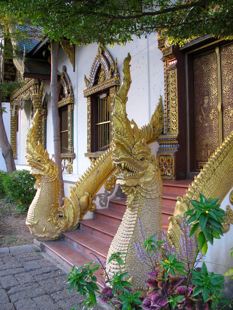 Entrada a Wat Chiang Man