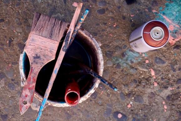 Brocha, pintura y spray de Magda K