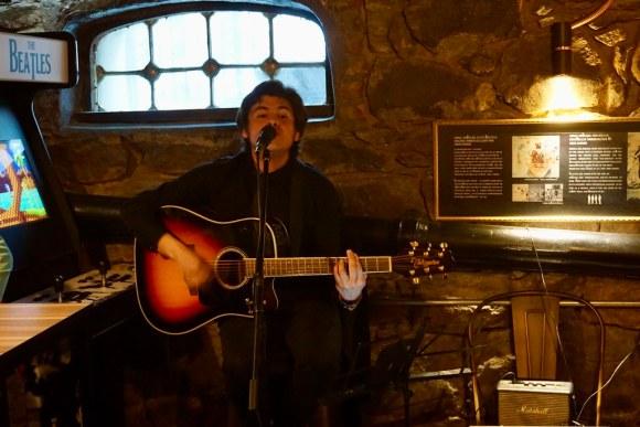 Tributo a The Beatles en La Caverna
