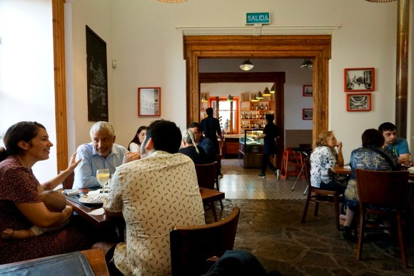 Interior restaurant Pasta e Brazza
