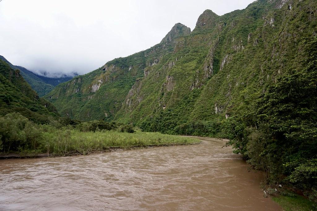 Río en la ruta a Aguas Calientes