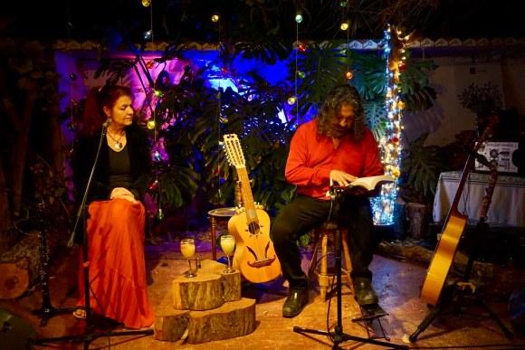 El Chaleco de Elodie en la Tertulia Poético Musical