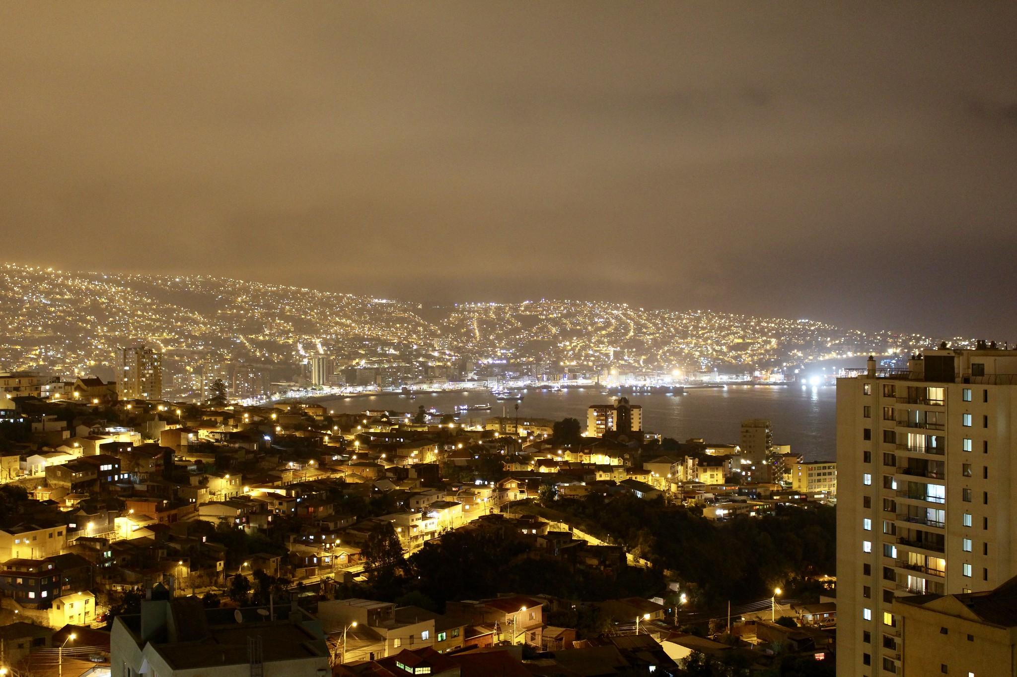 Noche de niebla en Valparaíso