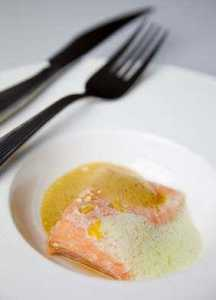 salmon vacio wasabi