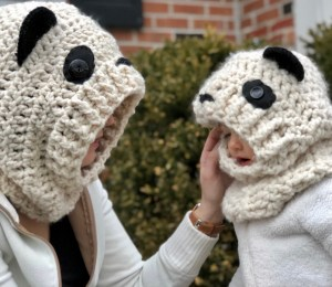 Hooded Panda Cowl- Free Pattern (in 3 sizes)