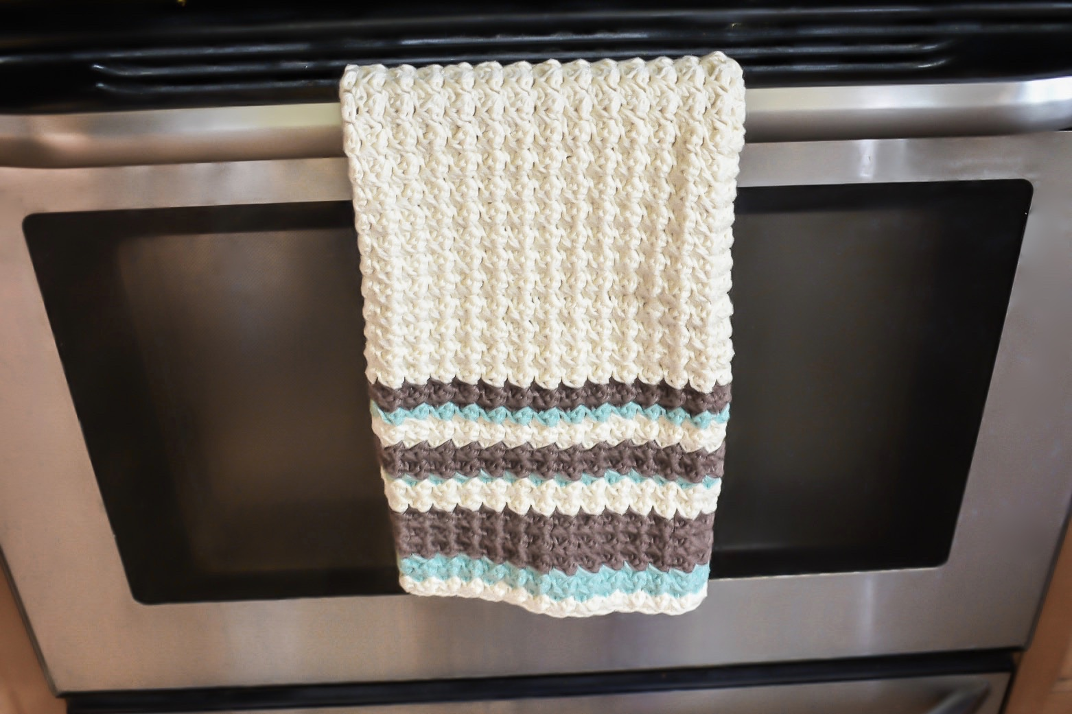 Chamomile Tea Towel- Free Pattern