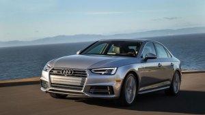 Mobil Audi Silver