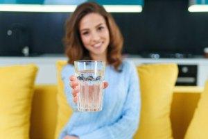 Tidak Mau Kehilangan Manfaat Ini, Yuk Minum Air Putih