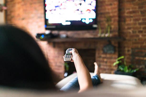 Nonton TV menggunakan Layanan TV Kabel