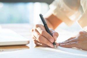 Menulis dengan Pengetahuan Bahasa yang Baik