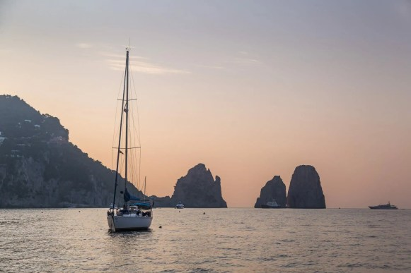 APZmedia - stills from Antlos Betteronboard in Capri
