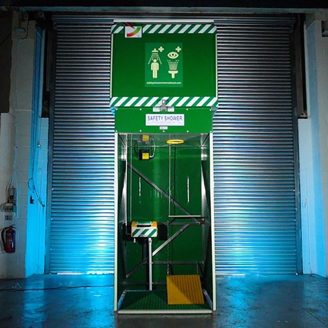 Tank Showers - Guarantee Tepid Water   Aqua Safety Showers