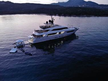 inflatable yacht