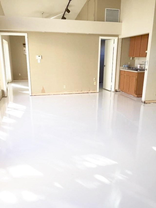 white_epoxy_floor