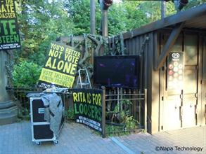 Alton Towers - Outdoor Marketing Screens