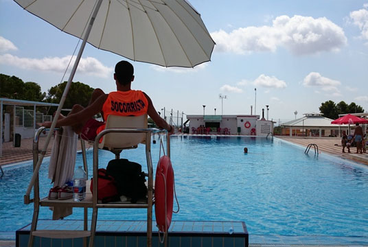 Comment devenir maître nageur (formation et diplôme)