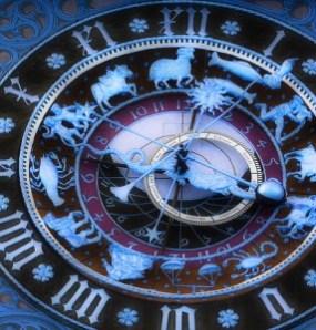 Clock_3555666-286x300