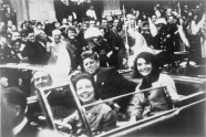 John_F._Kennedy_motorcade,_Dallas_crop