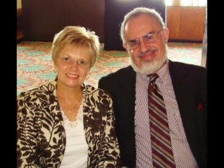 Kathy and Stanton Friedman hqdefault