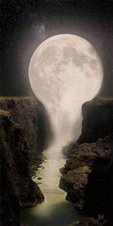 Moon Melt 11811349_1062628843755381_2445913399883479374_n