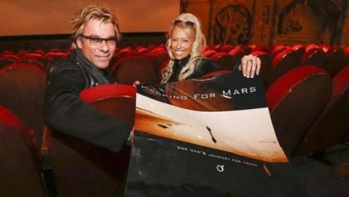 Die_unendlichen_Weiten_des_Weltraums-Packing_for_Mars-Story-475620_630x356px_d8d8b83b1f091dbe0d961ccfbcc1e274__packingformars_jpg