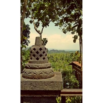 Sneaking for Borobudur