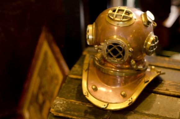 深海ヘルメット