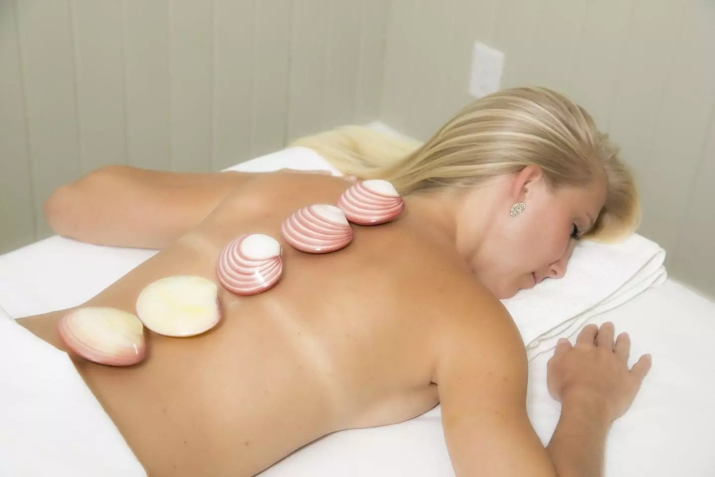 Hot Stone Massage at AQUA Spa