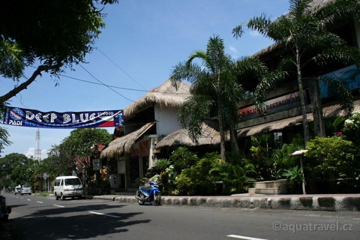 Deep Blue Studio v Tulambenu - české potápěčské centrum na Bali