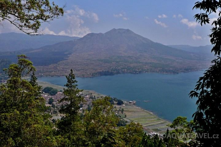 Batur - jezero a sopka