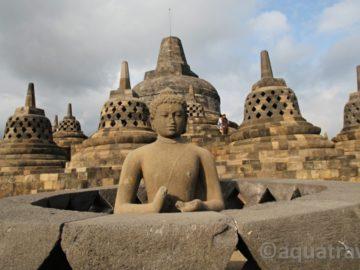 Borobudur socha Budhy