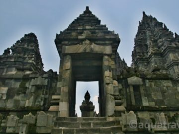 Prambanan chrám hindu v Jogyakartě