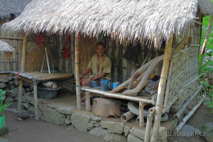 Bangle eko dům s dědečkem