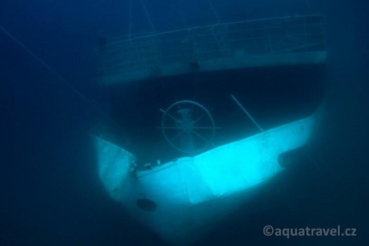 Vis vrak lodi pro zkušenější potápěče